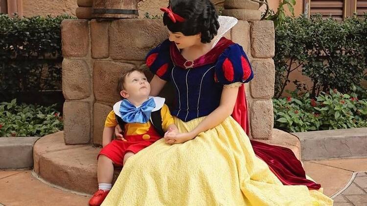 Pamuk Prenses'e aşık olan 2 yaşındaki otizmli çocuk