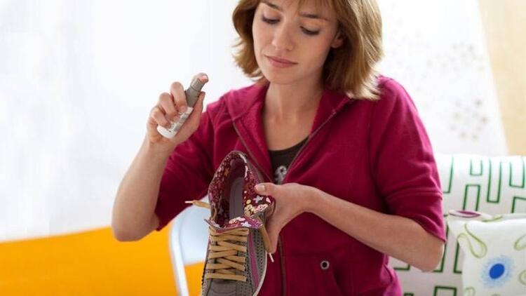 Yazın oluşan ayakkabı kokuları nasıl önlenir?