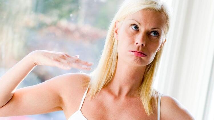 Ellerde aşırı terleme neden olur?