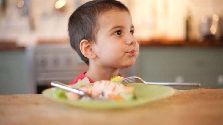 Yemek seçen ve az yiyen çocuklar nasıl beslenmeli?