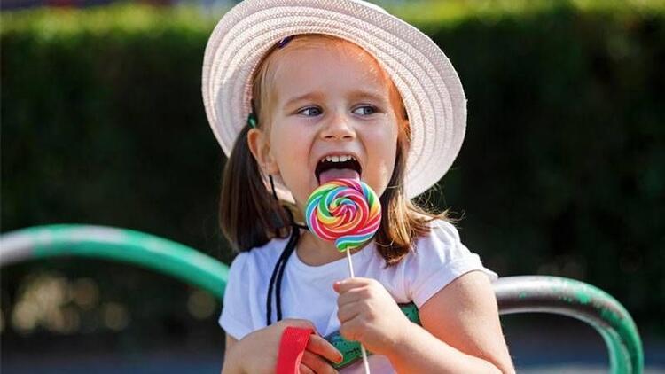 Çocuklarda şeker tüketimini önlemenin 8 püf noktası