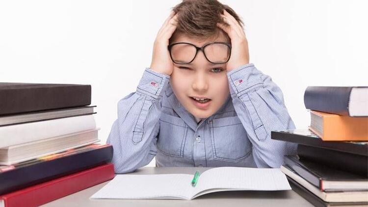 Göz problemleri çocukların okul başarısını düşürüyor