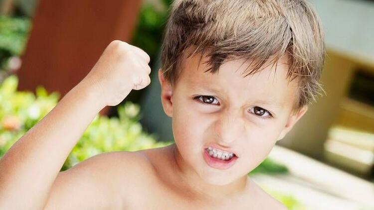 Şiddet gören çocuk fazlasını uyguluyor!