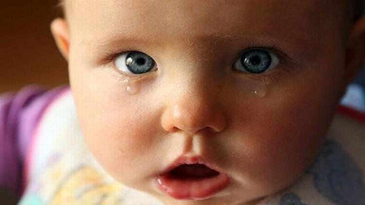 Bebeklerde gözyaşı kanal tıkanıklığı nedir?