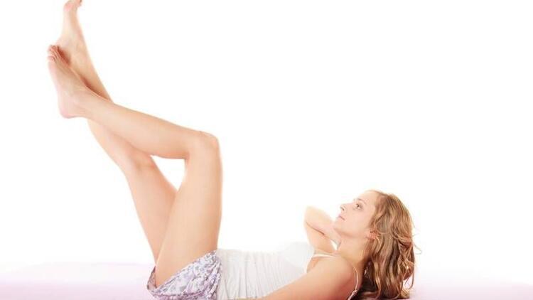 Bacakta görülen mavi damarlar neden oluşur?