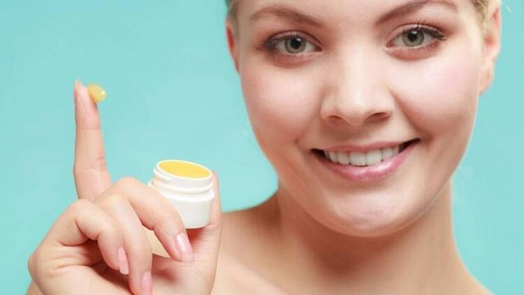 5 doğal dudak koruyucu tarifi