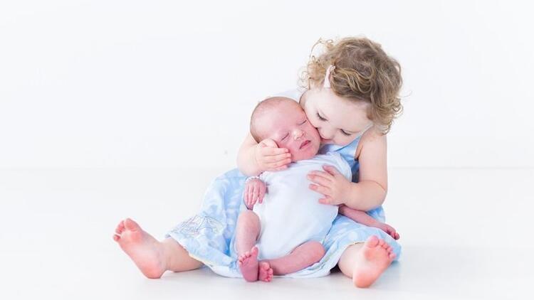 """""""Tek çocuk olmak zor, ona bir kardeş lazım"""""""