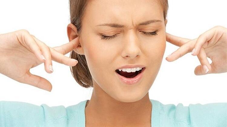 Kronik orta kulak iltihabı ve kulak zarının delinmesi