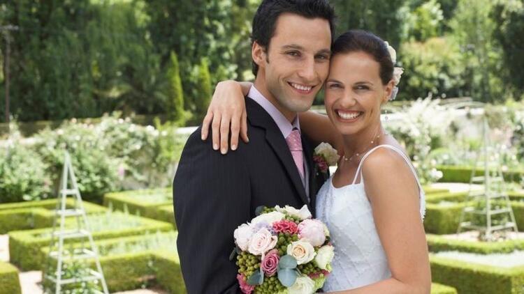 Türkiye mutluluğu evlilikte ve parada arıyor
