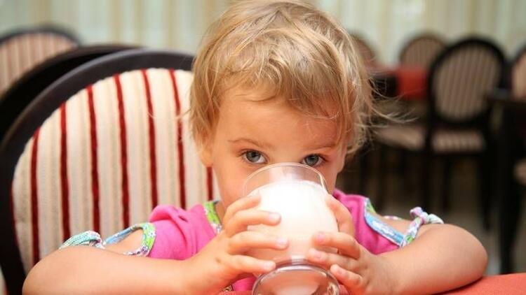 Çocukluk çağında inek sütü alerjisi