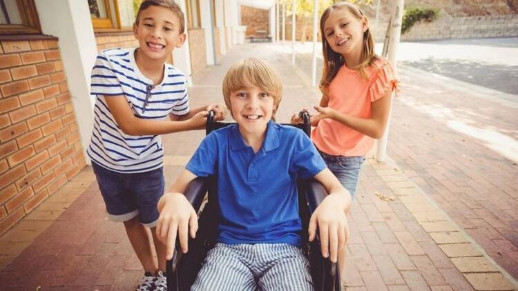 Engelli çocuğa sahip olan ailelere öneriler