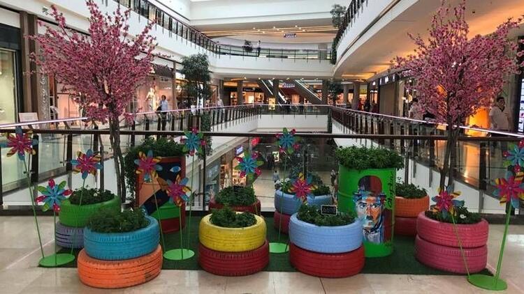 Mall of İstanbul Anneler Günü için çiçek açıyor