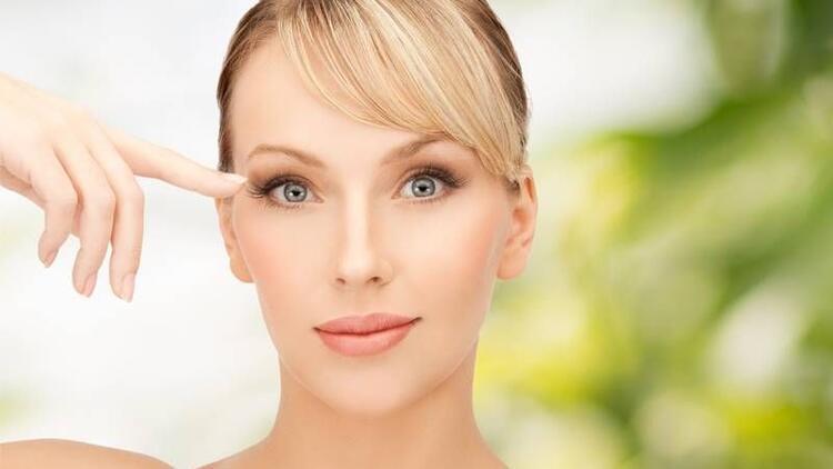 Doğuştan göz kapağı düşüklüğü neden olur?