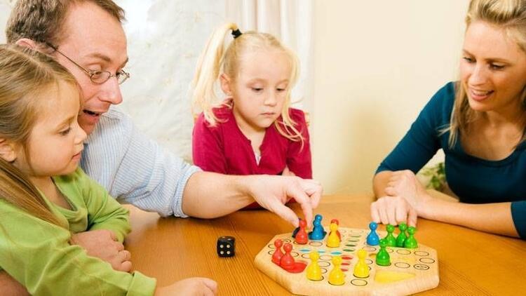 Çocuklar oyun oynayarak hayatı öğrenir