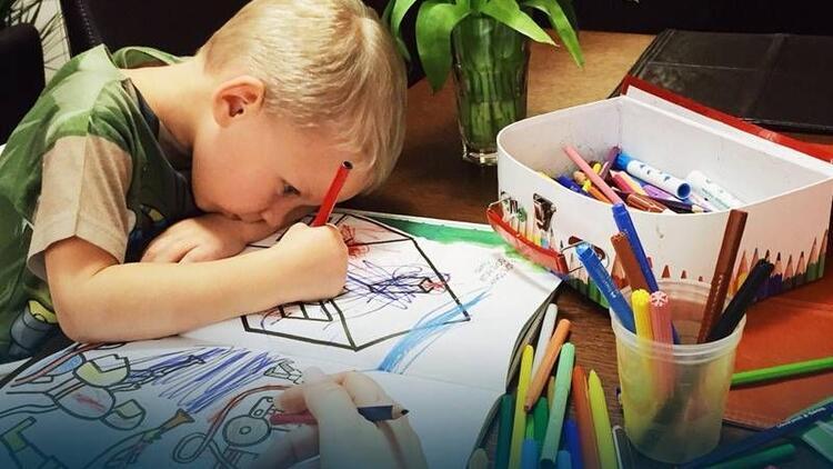 Boyama kitaplarının çocukların gelişimine katkıları