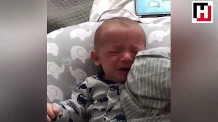Ağlayan bebeğin imdadına annesinin gömleği yetişti!