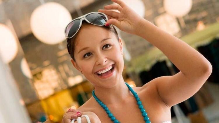 Güneş gözlüğü seçiminde moda trendlerine aldanmayın