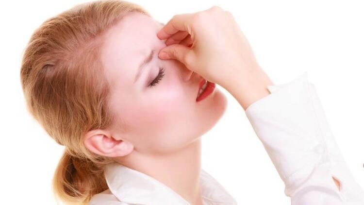 Sonbahar mutsuzluğunuzun sebebi sinüzit olabilir!