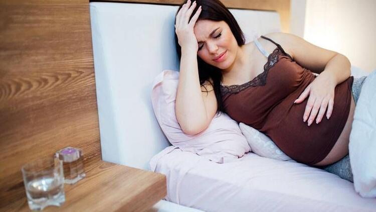 Hamilelikte baş ağrısı neden olur, nasıl geçer? Hamilelikte baş ağrısına ne iyi gelen şeyler ve tedavisi