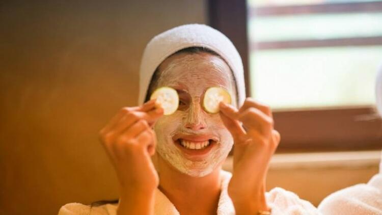 Yüz lekelerine iyi gelen 5 doğal maske tarifi