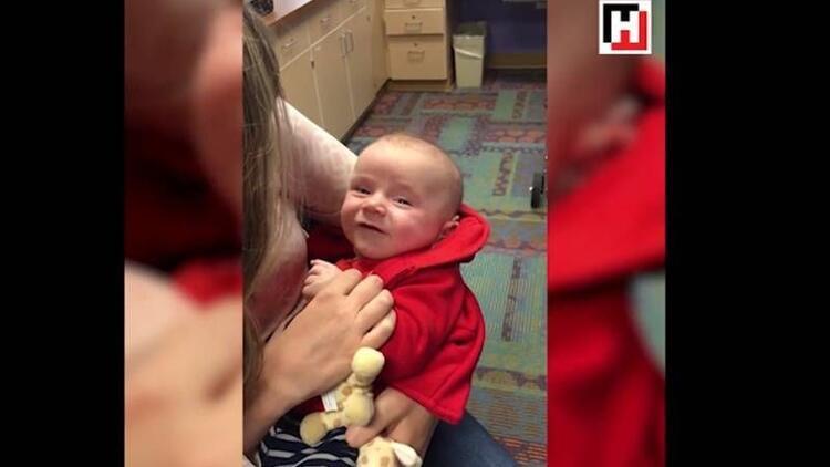 Annesinin sesini ilk kez duyan bebek bakın ne yaptı?
