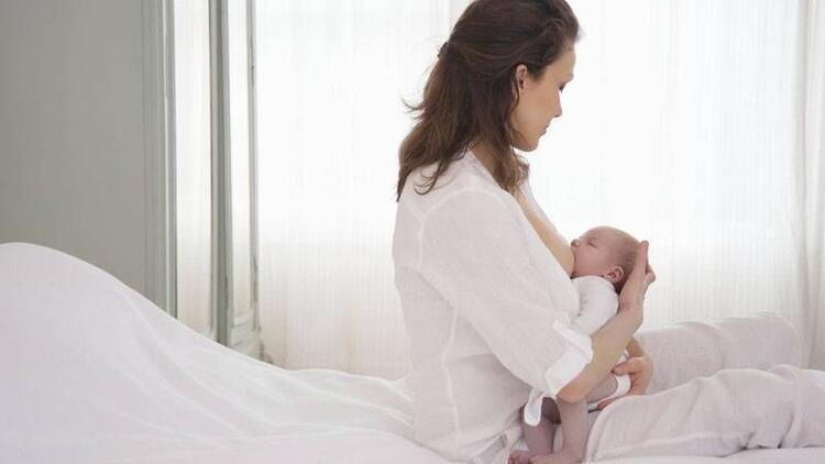 Gripken bebeğinizi daha çok emzirin ama sakın öpmeyin