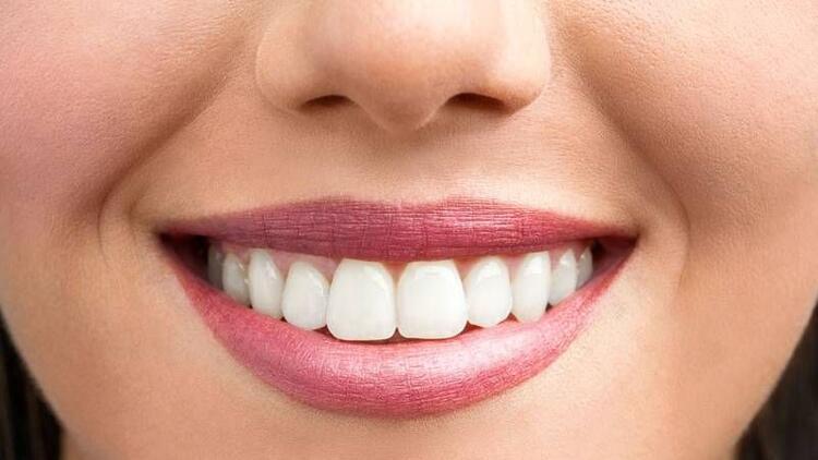 Hassasiyet olmadan beyaz dişler