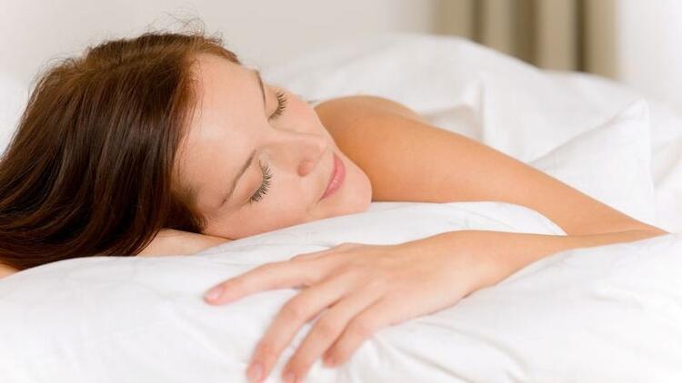 Sağlıksız uyku ömürden 6-10 yıl çalıyor!