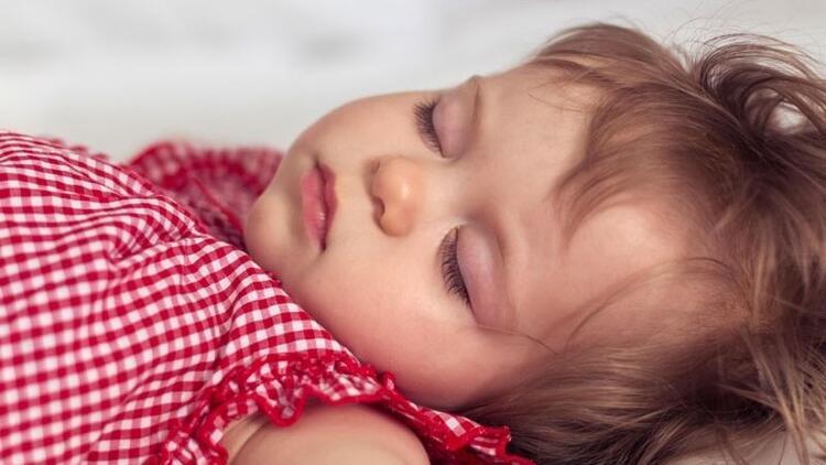 Çocuklara özel uyku ve beslenme tüyoları