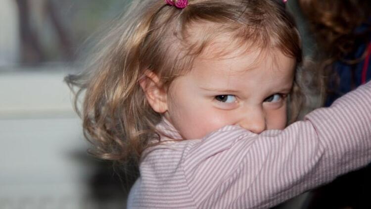 2 yaş sendromu nedir? 2 yaş sendromu nasıl atlatılır?