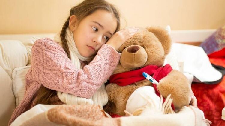 Hastalıktan korumak için okul kıyafetini değiştirin
