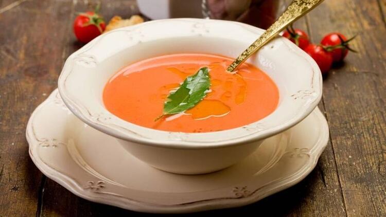 Kırmızı biberli kabak çorbası tarifi