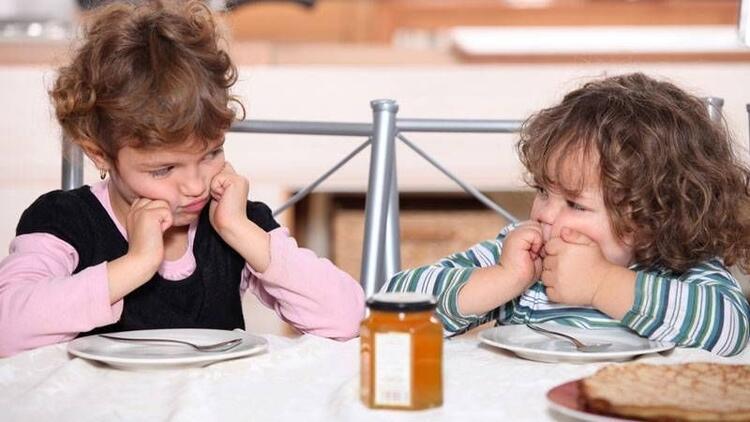 Kardeş kıskançlığı çocuğunuzu nasıl etkiliyor?