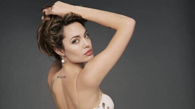 Angelina Jolie yanağı hayal değil