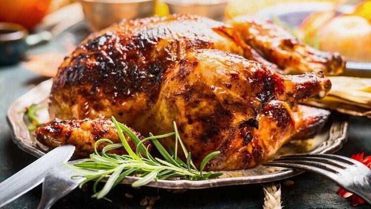 Yumuşak ve lezzetli bir hindi pişirmek için öneriler