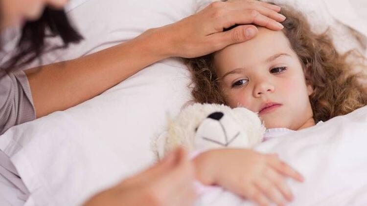Çocuğunuzun ateşi düşmüyorsa almanız gereken 7 önlem