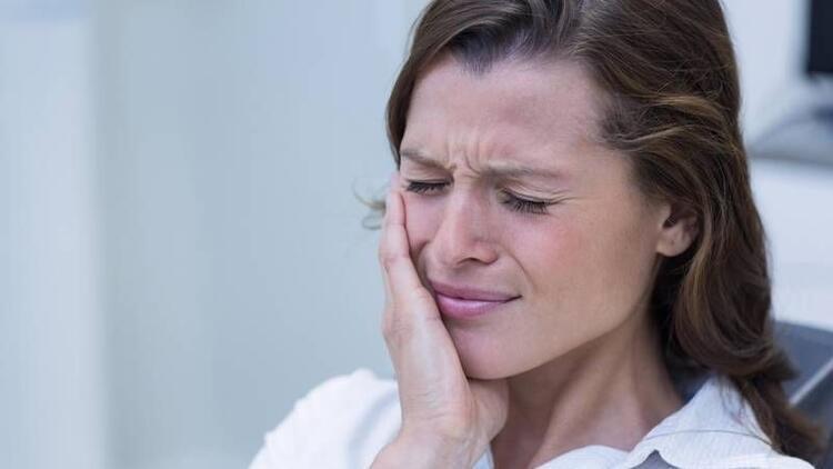 Diş eti hastalıkları hamile kalma şansını düşürüyor!