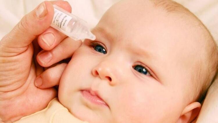 Bebeklerin gözü neden çapaklanır?