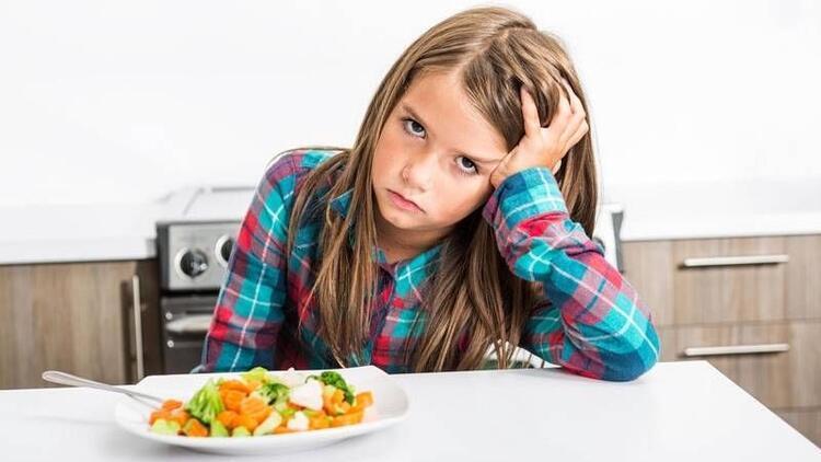 Yemek seçen çocuğunuzu nasıl sağlıklı beslersiniz?