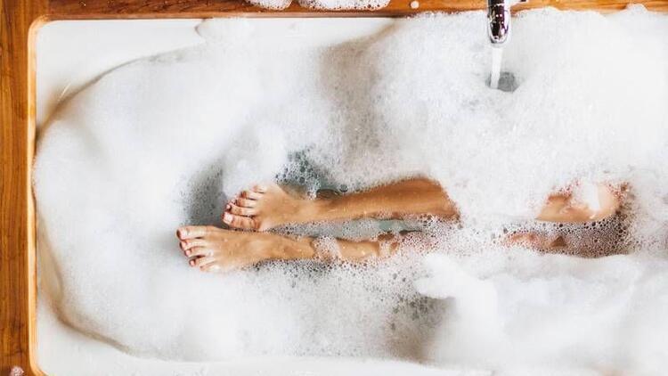 Varisi olanlar sıcak suyla banyo yapmamalı