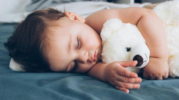 Bebeğe gece gündüz ayrımı nasıl öğretilir?