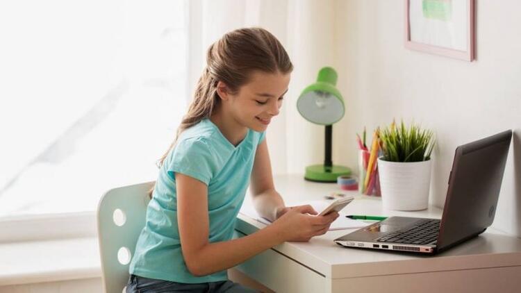Çocuklarda aşırı internet kullanımının zararları