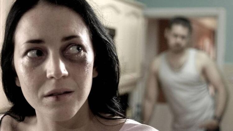 Kadına fiziksel ve psikolojik şiddet