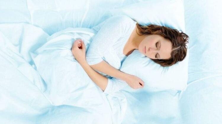 Her gün aynı saatte yatağa gidin, aynı saatte uyanın!