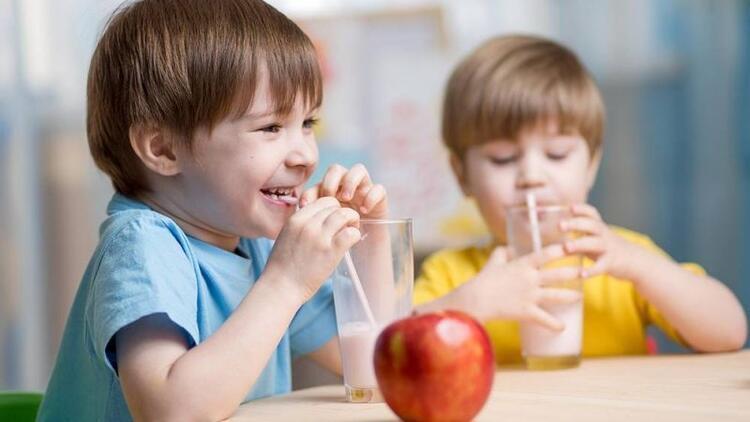 Çocuğunuza günde en az 2 bardak süt içirin!