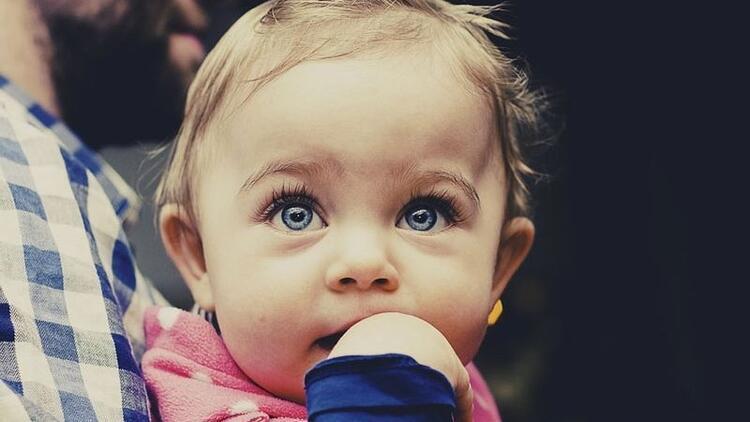 Bu belirtileri gözden kaçırmayın! Bebeklerde görülen 6 göz sorunu