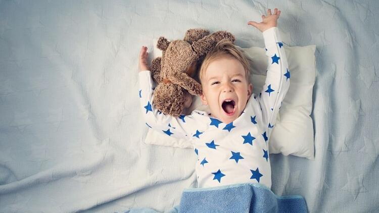 Uyumak istemeyen çocuğa nasıl yaklaşmalıyız?