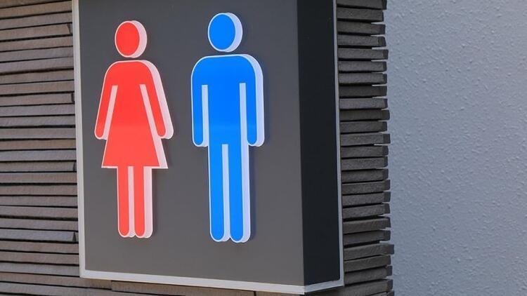 Halka açık tuvaletlerde çocuk kiminle tuvalete girecek?