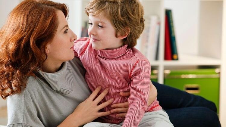 Çocuklarla nasıl konuşmalıyız? Hangi cümleleri söylememeliyiz?