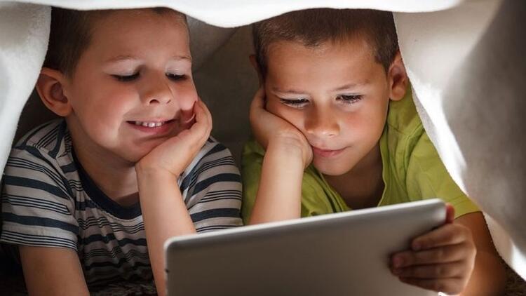 Tablet bağımlılığı çocuğun zihinsel gelişimini olumsuz etkiliyor